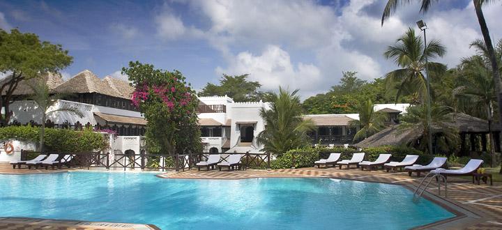 Pool at Serena Beach Hotel
