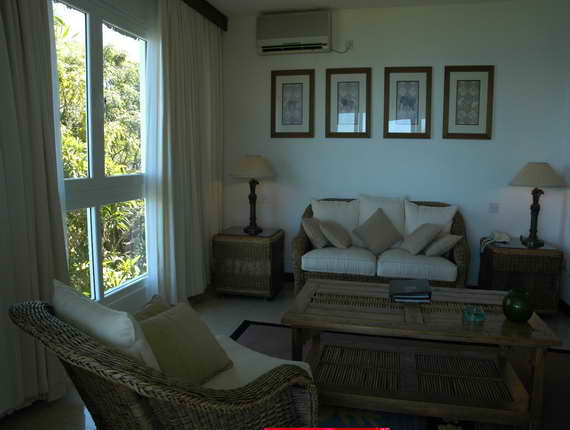Leopard Beach Room Interior