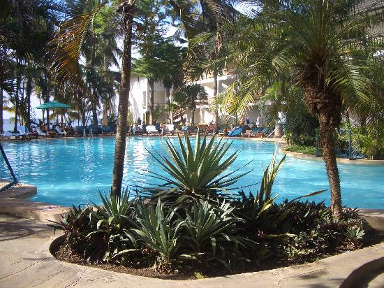 Travellers Beach Hotel Pool